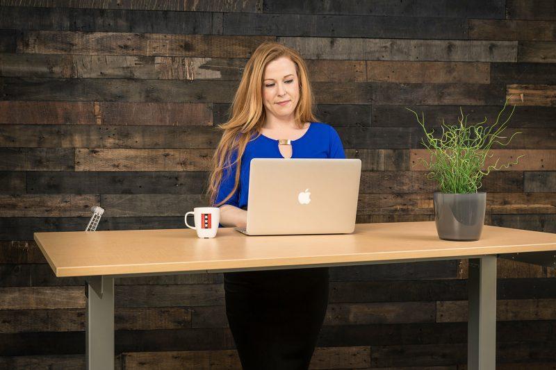 Hand Crank Height Adjustable Standing Desk MultiTable