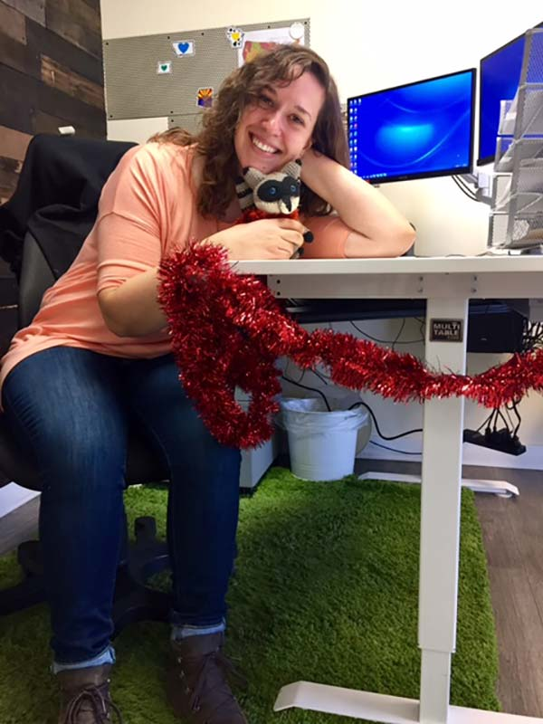 Jackie Tetzloff Standing Desk Customer Service Expert MultiTable